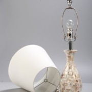 Elegant-Designs-LT1002-SHL-Malibu-Seashell-Tiled-Mosaic-Look-Curved-Table-Lamp-with-Chrome-Accents-0-2