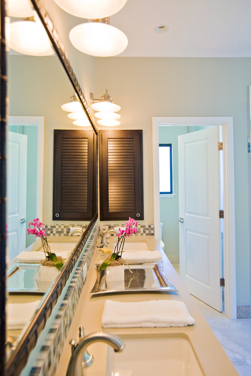11-double-vanity-sink-with-beach-theme 16 Incredible Beach Themed Bathroom Designs