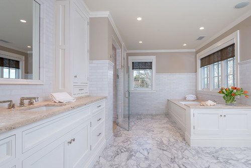 13-beach-bathroom-with-marble-flooring The Best Beach Bathroom Decor You Can Buy