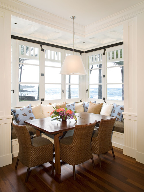 oceanfront dining area cottage beach home