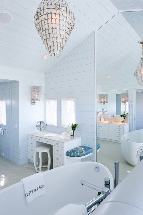 10-bright-blue 14 Beautiful Beach Cottage Bathroom Designs