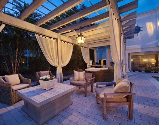 Florida-Historic-Renovation-by-Clifford-M-Scholz-Architects-Inc 51 Teak Outdoor Furniture Ideas