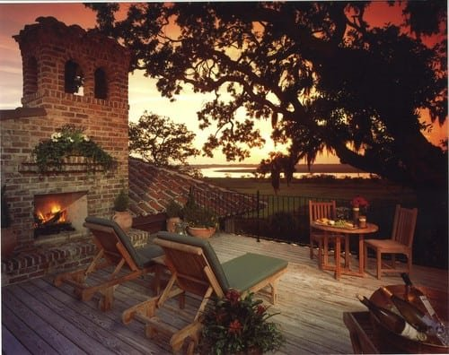 mediterranean-patio-1 51 Teak Outdoor Furniture Ideas
