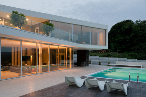 Luxurious Home and Pool