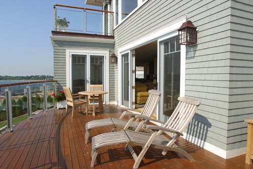 traditional-deck 51 Teak Outdoor Furniture Ideas