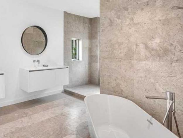 miami-beach-home-bathroom-2 Monday Miami Beach Homes For Sale - Week 1