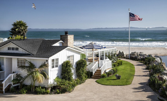ashton-kutcher-mila-kunis-beach-home-4 Photos From Mila Kunis and Ashton Kutcher's Beach Home