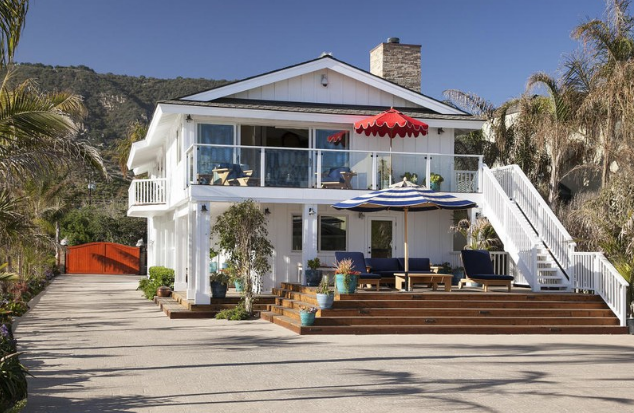 ashton-kutcher-mila-kunis-beach-home-5 Photos From Mila Kunis and Ashton Kutcher's Beach Home
