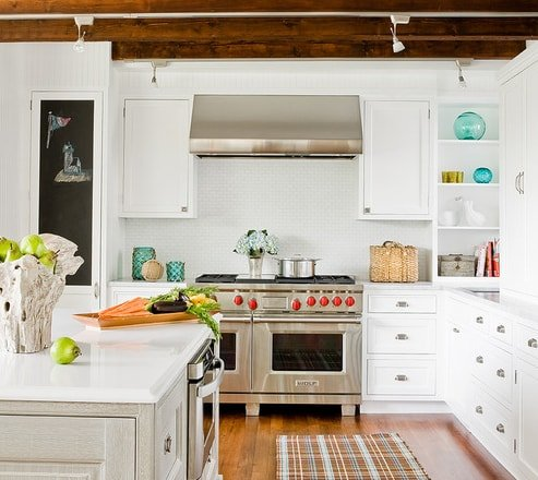Annisquam-Kitchen-by-Venegas-and-Company-2 101 Beautiful Beach Cottage Kitchens