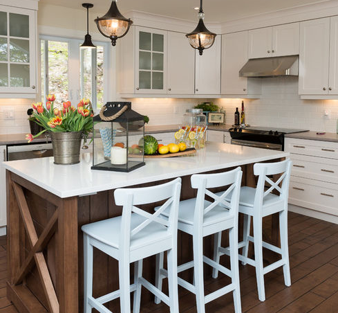 Quebec-Cottage-by-Sonya-Kinkade-Design 101 Beautiful Beach Cottage Kitchens