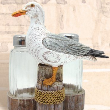 beach-salt-and-pepper-shakers Beautiful Beach Decor For Your Home