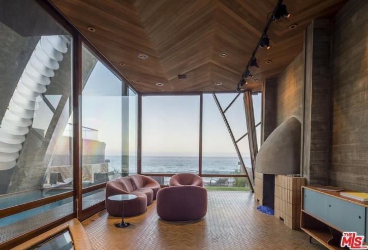 edward-nortons-malibu-beach-home-5 Step Inside Edward Norton's Malibu Beach Home