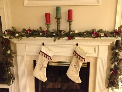 Beach-Christmas-Decorations-3-by-Kelly-Nuccitelli 25+ Beach Christmas Decorating Ideas