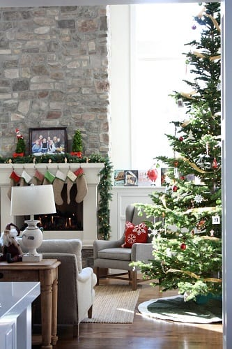 Piccadilly-House-by-Piccadilly-Design 25+ Beach Christmas Decorating Ideas