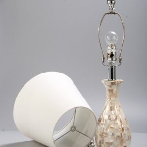 Elegant Designs LT1002 SHL Malibu Seashell Tiled Mosaic Look Curved Table Lamp With Chrome Accents 0 2 300x300
