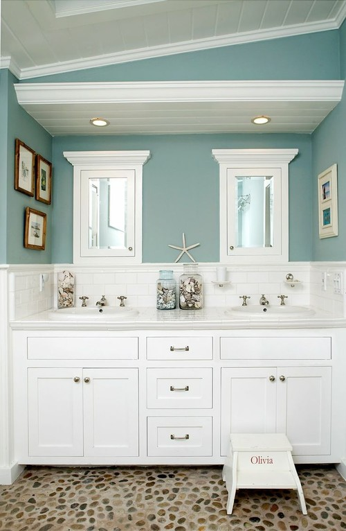 15-clean-beach-bathroom-design-with-stone-floors 100+ Beach Bathroom Decorations