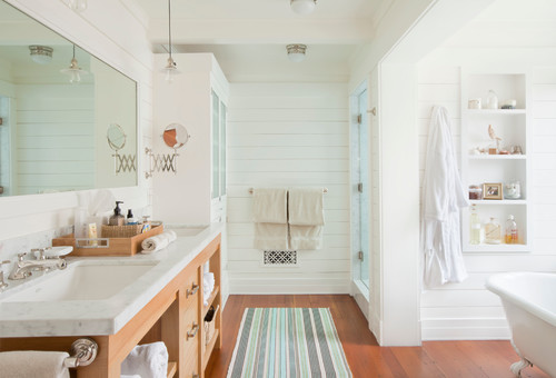 2-beach-style-bathroom 100+ Beach Bathroom Decorations