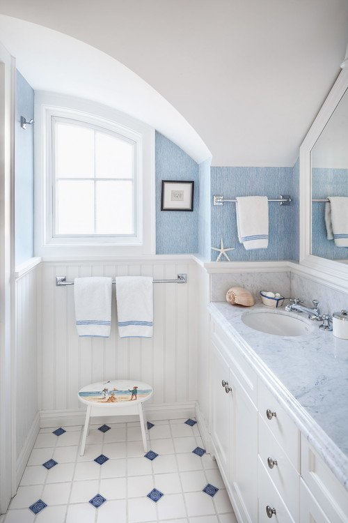 12-light-blue-accents 50+ Beach Cottage Bathroom Ideas