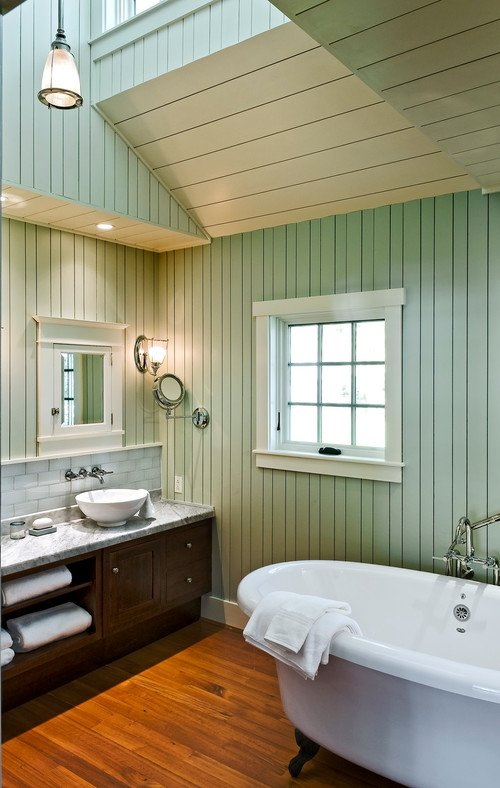 2-wood-floors-beach-cottage-bathroom 50+ Beach Cottage Bathroom Ideas