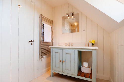 6-Old-cottage-elements 50+ Beach Cottage Bathroom Ideas