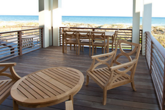 how-to-pick-teak-furniture Best Outdoor Patio Furniture