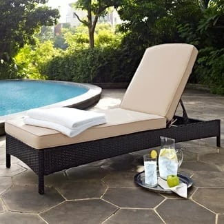 wicker-chaise-lounge-chair-with-cushion Wicker Chaise Lounge Chairs