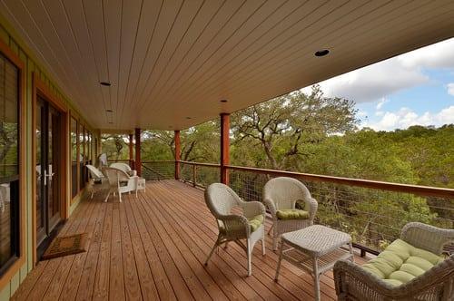 traditional-balcony-1 Best Outdoor Wicker Patio Furniture