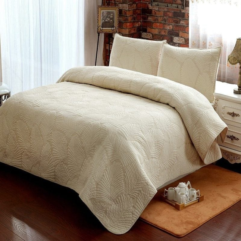 Brandream-White-Beige-Vintage-Floral-Palm-Leaf-Quilt-800x800 The Best Palm Tree Bedding and Comforter Sets
