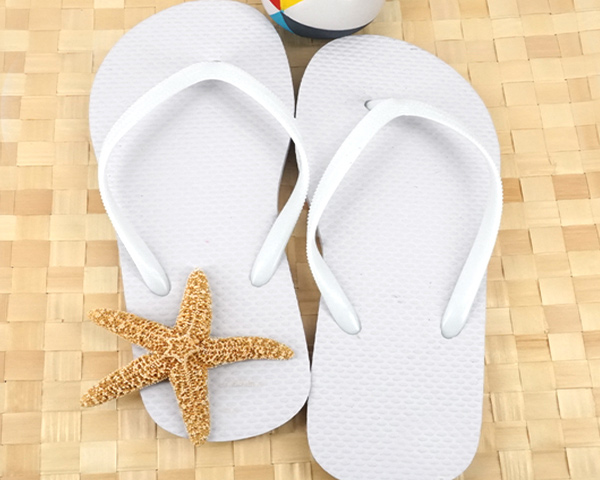 Wedding-Flip-Flops The Best Beach Wedding Favors You Can Buy