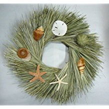 beach-combing-seashell-wreath-starfish 70+ Beach Christmas Wreaths and Nautical Wreaths