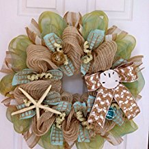 chevron-beach-wreath-starfish-sand-dollars 70+ Beach Christmas Wreaths and Nautical Wreaths