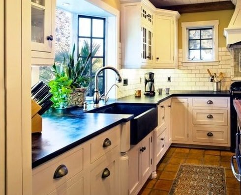 Hahka-Happy-Cottage-Kitchen-2-by-Dura-Supreme-Cabinetry 101 Beautiful Beach Cottage Kitchens