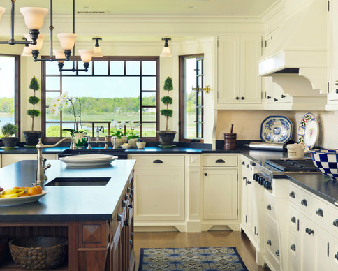 Maine-Retreat-by-Anthony-Catalfano-Interiors-Inc 101 Beautiful Beach Cottage Kitchens