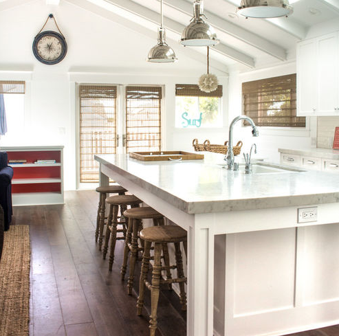 Manhattan-Beach-Cottage-by-Chelsea-Construction-Corporation 101 Beautiful Beach Cottage Kitchens