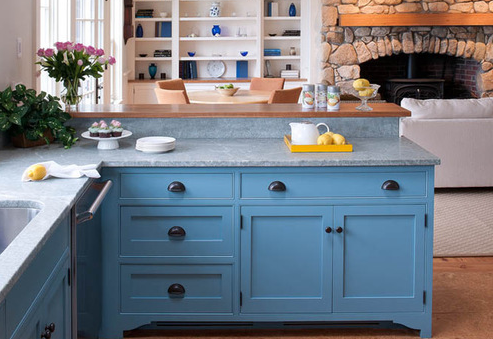 Marthas-Vineyard-Beach-Cottage-2-by-Elizabeth-Swartz-Interiors 101 Beautiful Beach Cottage Kitchens