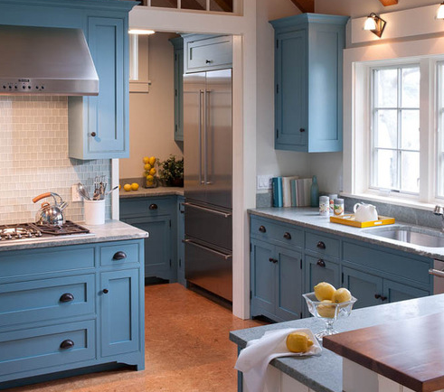 Marthas-Vineyard-Beach-Cottage-3-by-Elizabeth-Swartz-Interiors 101 Beautiful Beach Cottage Kitchens
