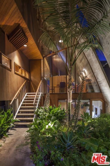 edward-nortons-malibu-beach-home-7 Step Inside Edward Norton's Malibu Beach Home