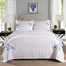 NEWLAKE-3-Piece-Patchwork-Bedspread-Quilt-Sets-with-Shell-and-Starfish 100+ Best Seashell Bedding and Comforter Sets 2020