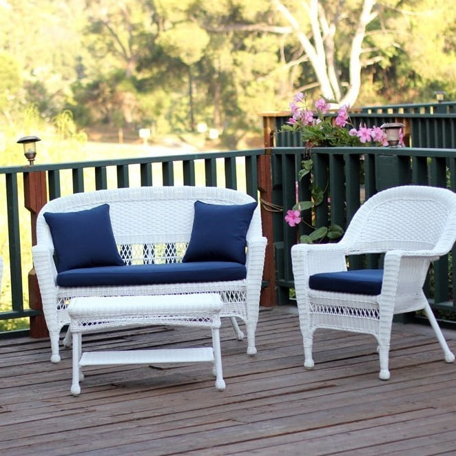white-wicker-conversation-set Best White Wicker Furniture
