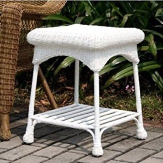 white-wicker-end-table-outdoor-patio Best White Wicker Furniture