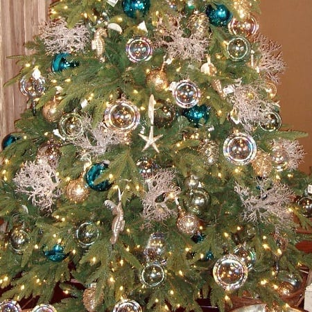 Coastal-Christmas-Tree-by-Iron-Accents 25+ Beach Christmas Tree Ideas