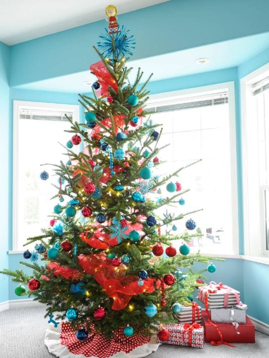 Country-Christmas-by-Maria-Killam 25+ Beach Christmas Tree Ideas