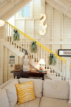 Jr-League-Park-Lane-House-by-Janet-Paik 34 Beach Christmas Decorating Ideas
