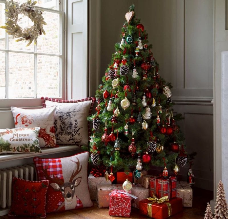 MS-Christmas-2014-Marks-Spencer-800x766 25+ Beach Christmas Tree Ideas