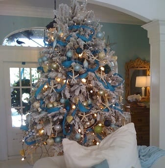 South-Florida-Style-Christmas-by-Suzanne-Pignato 25+ Beach Christmas Tree Ideas