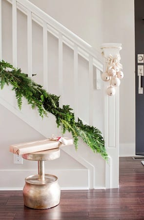 Stoll-Christmas-House-by-Falken-Reynolds-Interiors 34 Beach Christmas Decorating Ideas For 2020