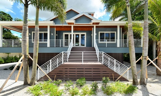 Casey-Key-by-Onyx-Construction 50+ Coastal Cottages We Love
