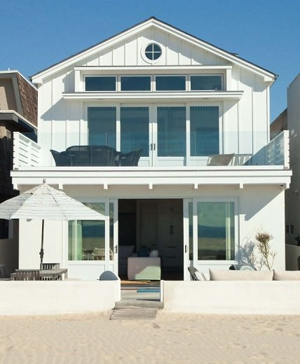 Newport-Beach-Ocean-Front-by-William-Guidero-Planning-and-Design 50+ Coastal Cottages We Love