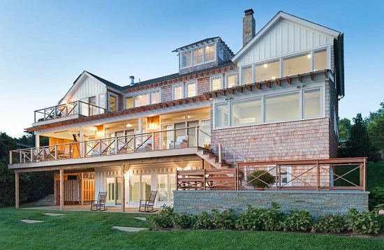 Shinnecock-Hills-by-Pamela-Glazer-Architect 50+ Coastal Cottages We Love