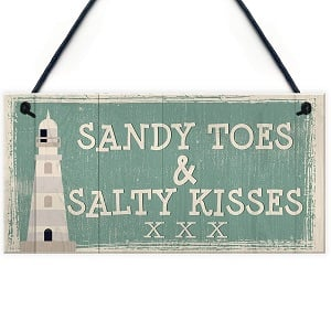 sandy-toes-salty-kisses-xoxo-sign 100+ Beach Wedding Decorations and Ideas